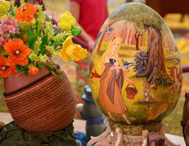 WDW Easter Eggs at Grand FL 4